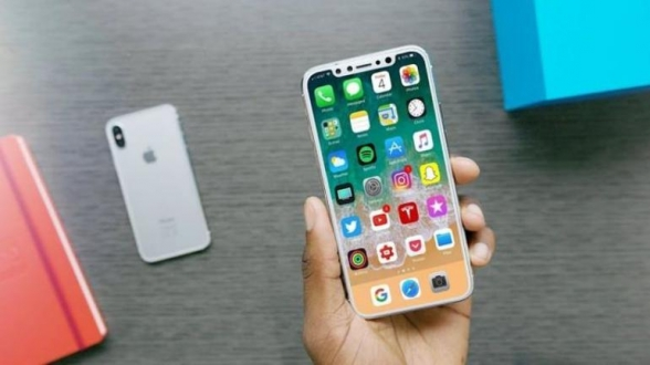 iPhone X'ten sonra sırada iPhone XL var!